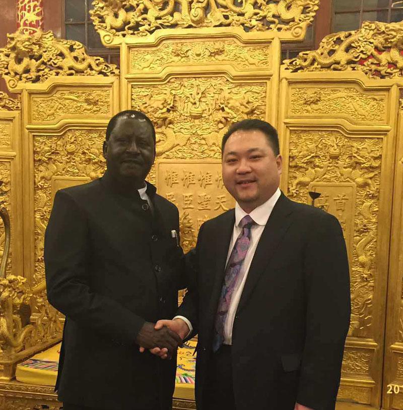 肯尼亚前总理奥廷加阁下对太和木作表示高度赞赏